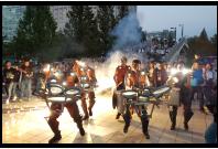 les interventions mobiles parade compagnie arts de la rue percussions