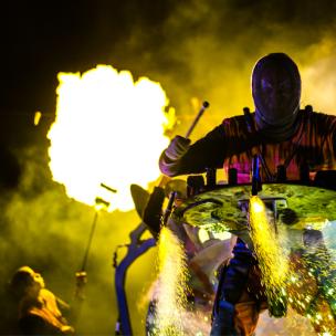 commandos percu arts de la rue pyrotechnie percussions